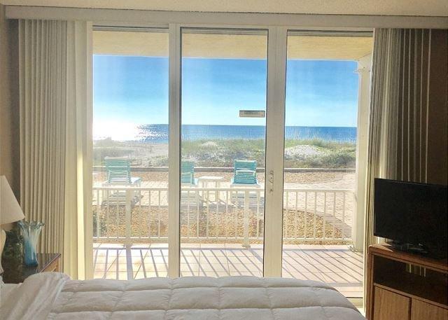 FIRST FLOOR Direct Oceanfront Condo 102!, vacation rental in Viera