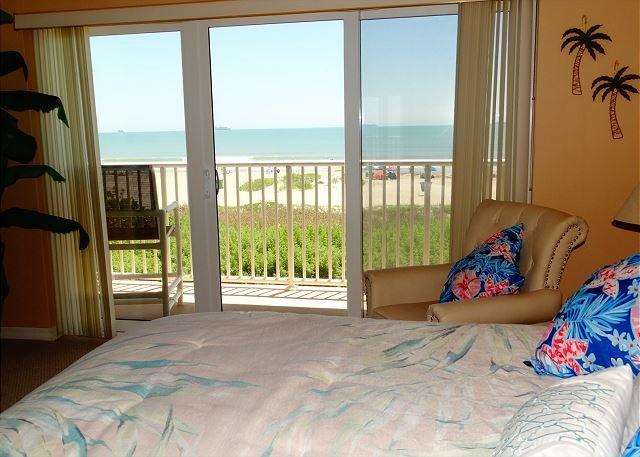 2 BR DIRECT OCEANFRONT 201 at the Boardwalk!, vacation rental in Merritt Island