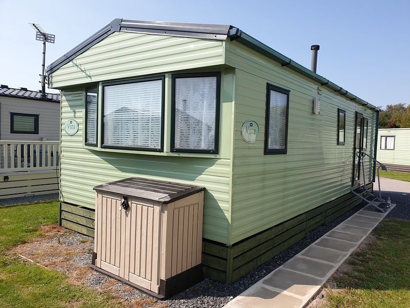 AV Caravans, holiday rental in Overton