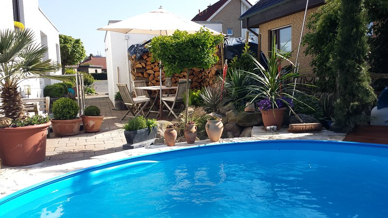 Svens - Appartment mit Pool und mediteranen Garten, vacation rental in Muenster