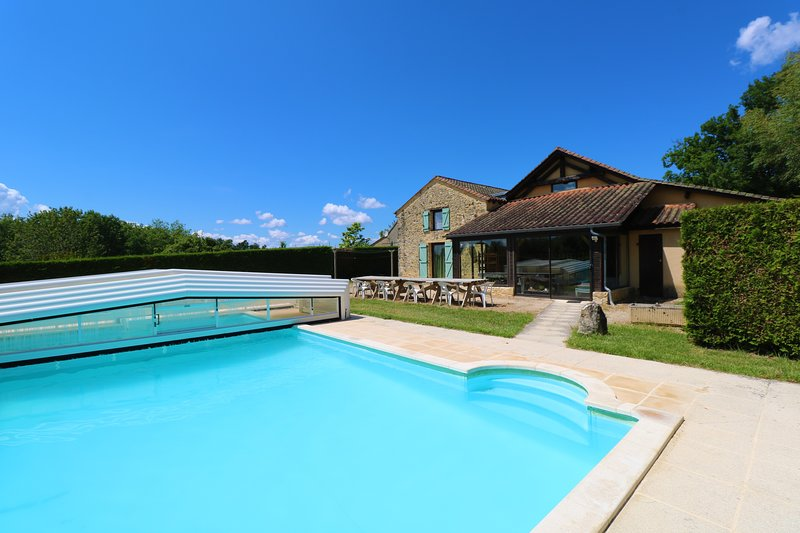 BOIS DE QUEYRELONG: the perfect holiday destination for large group close Sarlat, vacation rental in Berbiguieres