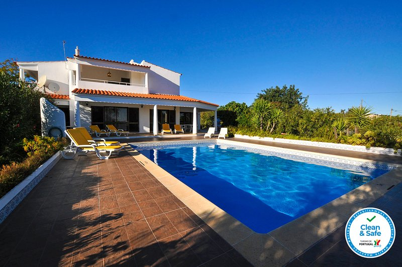 Villa Tropical OCV - Private Pool, vacation rental in Cumeada