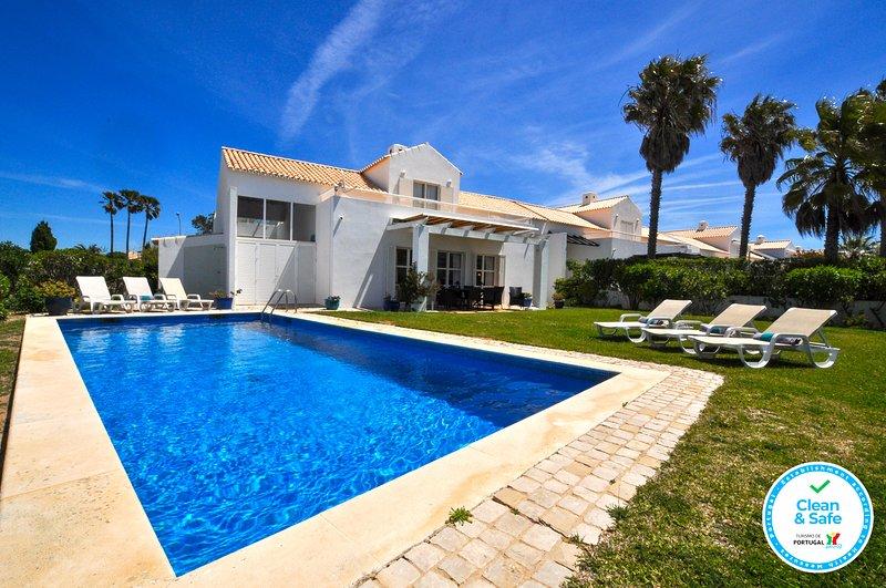 Villa Farol OCV - Ocean Front, vacation rental in Guia