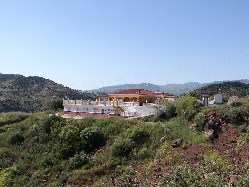 NEW - Casa Sarandy Almogía (prov. Málaga) - guest room (2p.), holiday rental in Almogia