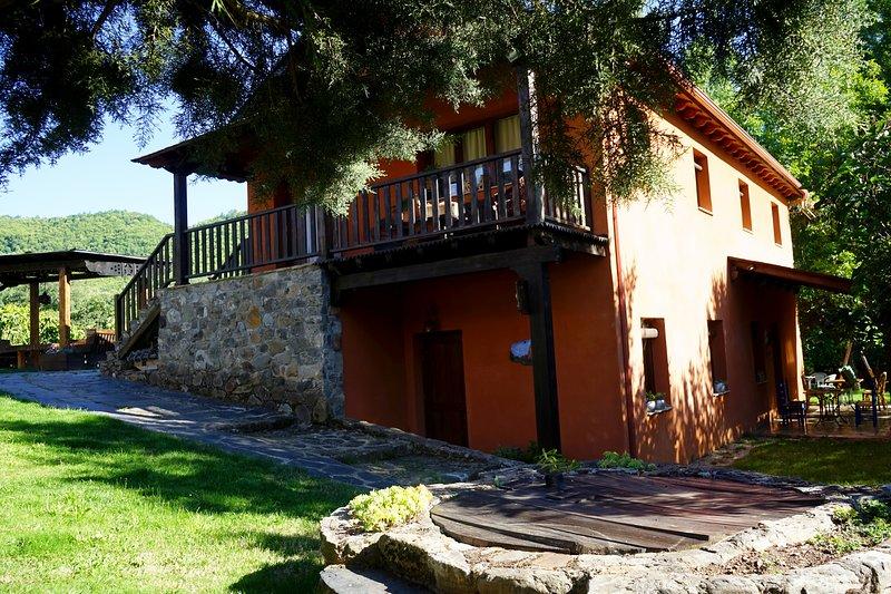 Casa completa en entorno rural La Senda, vacation rental in Las Medulas