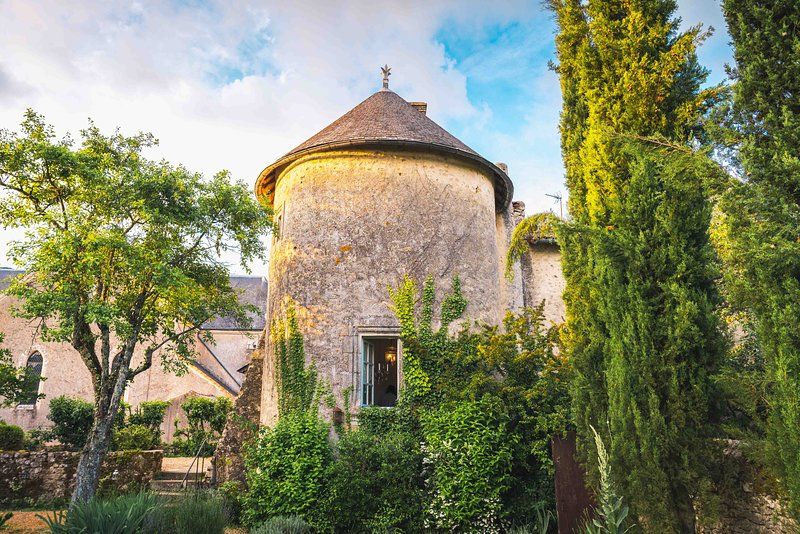 Uniquely French Medieval Tower (Sleeps 6), vacation rental in Saurais