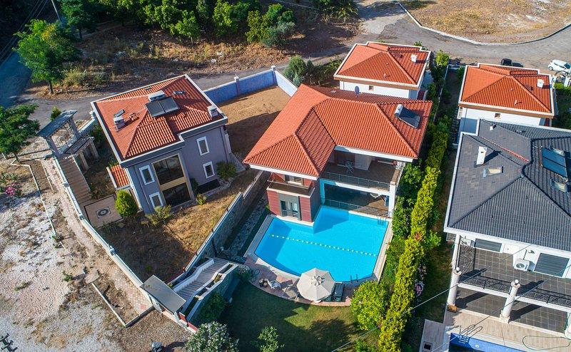 Villa Paris Marmaris Daily Weekly Rentals, holiday rental in Armutalan