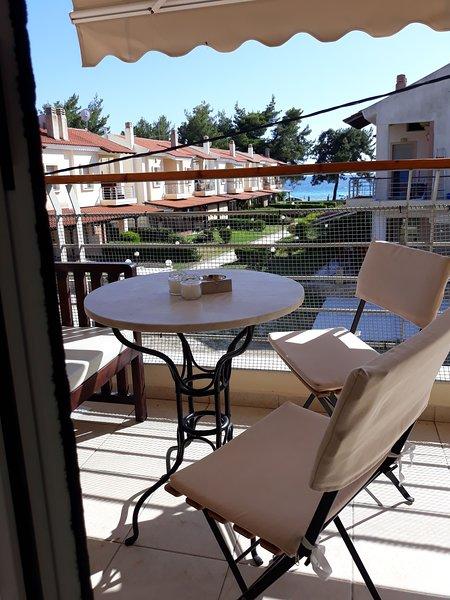 Calm & airy beach house apartment, vacation rental in Nikiti