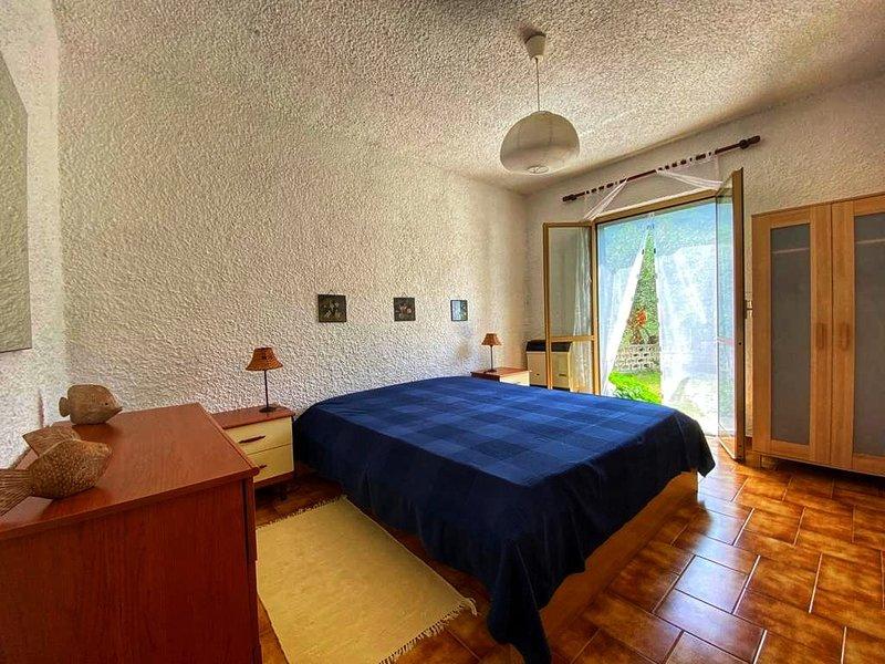 casa vacanze 1,5 km dal mare in uliveto vista mare, holiday rental in Deiva Marina