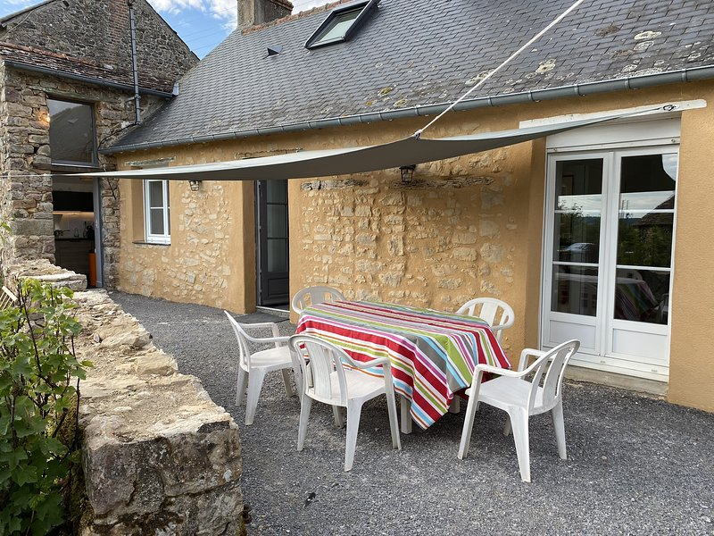 Gîte du Petit Rocher, holiday rental in Torce-Viviers- en-Charnie