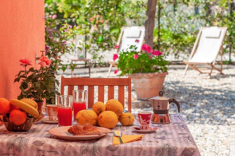 Portovecchio Apartments - Levanto - Razza Apartment - Levanto, casa vacanza a Bonassola