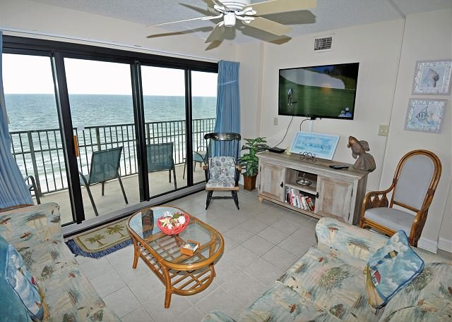 Oceanfront in smaller boutique property, Free WiFi, large balcony, vacation rental in North Myrtle Beach