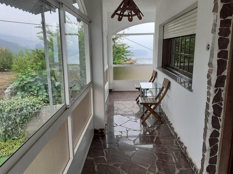 Apartamento rural hasta 11 personas, aluguéis de temporada em Soutomaior
