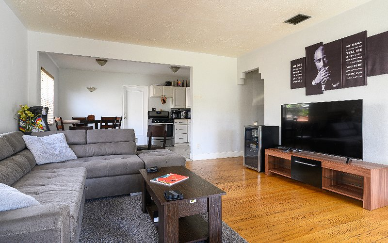 Cozy 2BR House (DTWN HLWD) - Hollywood Beach - Fort Lauderdale Airport, holiday rental in West Hollywood