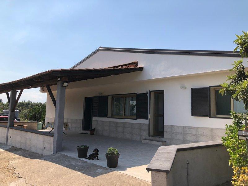 Villetta Gallo casa vacanze B&B Centro Sicilia Clinica Humanitas Catania, holiday rental in Misterbianco
