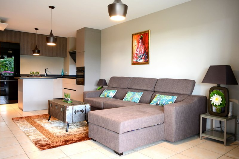 Kai cosy Apartment w/ pool, holiday rental in Arue