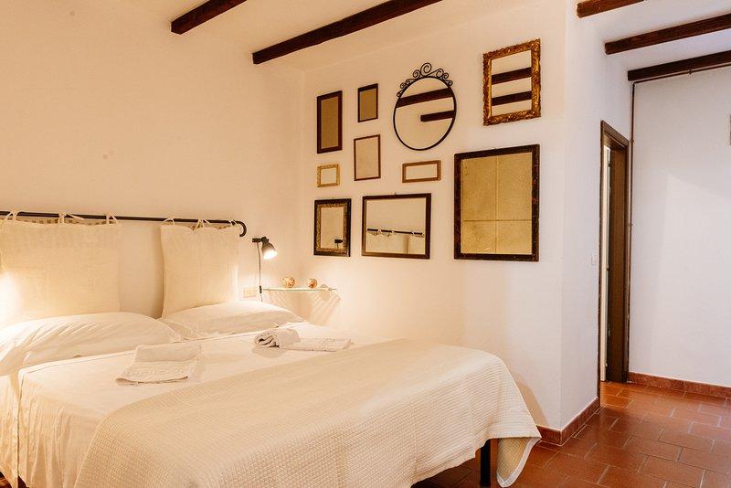 Borgo, appartamento 2px - B&B Borgo di Oliveto, holiday rental in Civitella in Val di Chiana