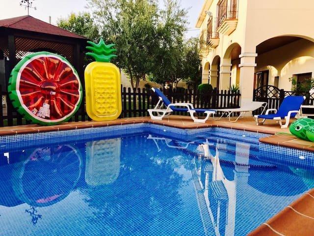 CASA RURAL, holiday rental in Las Herencias
