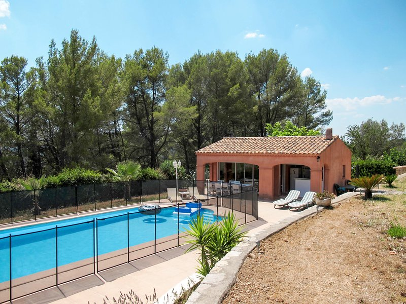 Le Cabanon (DRA170), holiday rental in Figanieres
