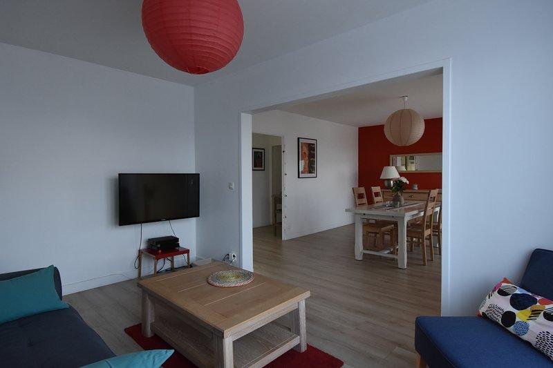 magnifique appartement refait a neuf face a la basilique st remi, location de vacances à Chigny les Roses