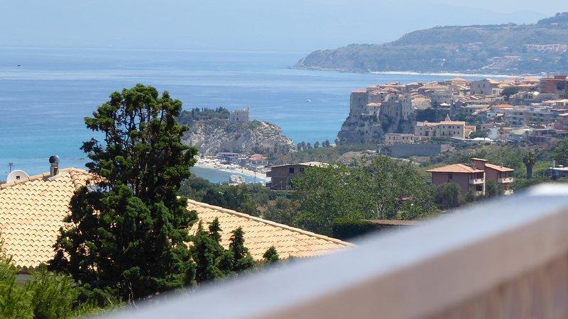 Casa vacanza con vista panoramica, holiday rental in Ricadi
