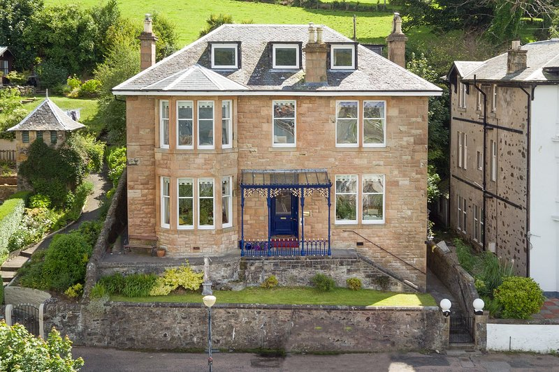Bruan House, Scottish Sea Views, alquiler vacacional en Rothesay