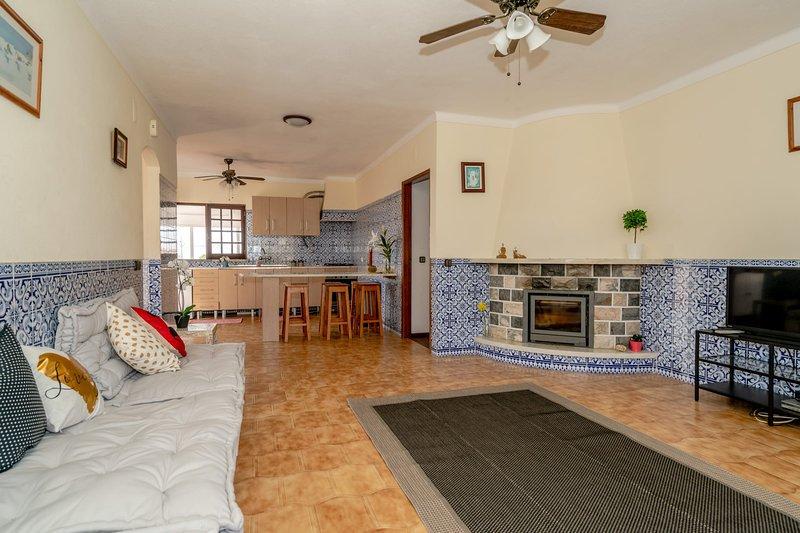Villa Arrifana - Ensuite Bedroom, holiday rental in Praia da Arrifana