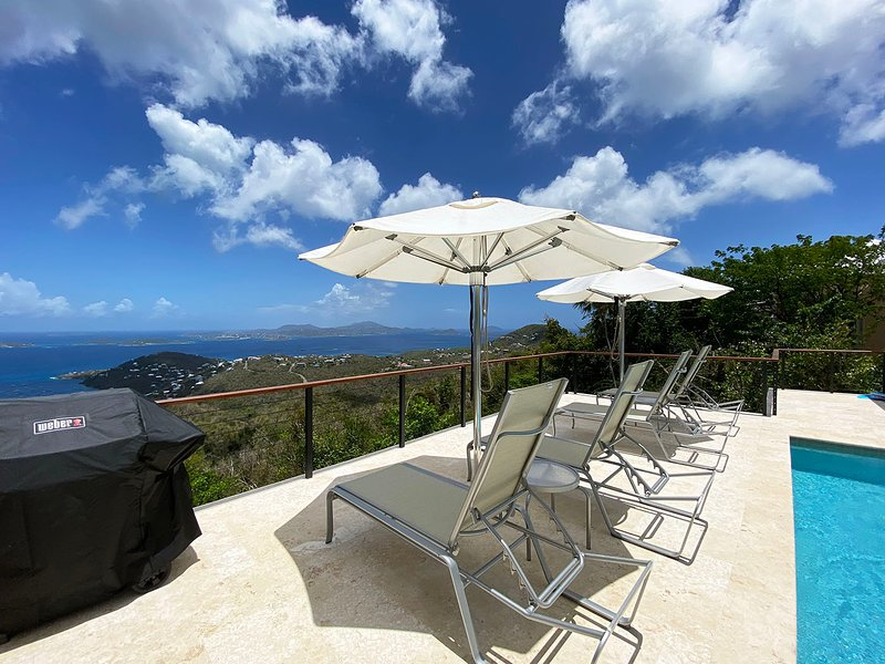 Fabulous Caribbean Views from Beautiful 4 Bd/4 Ba Deluxe Villa with Pool!, vacation rental in Cruz Bay