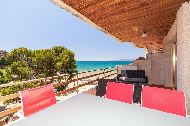 S******* PLAYAMERO FAMILY COMPLEX, holiday rental in Tarragona