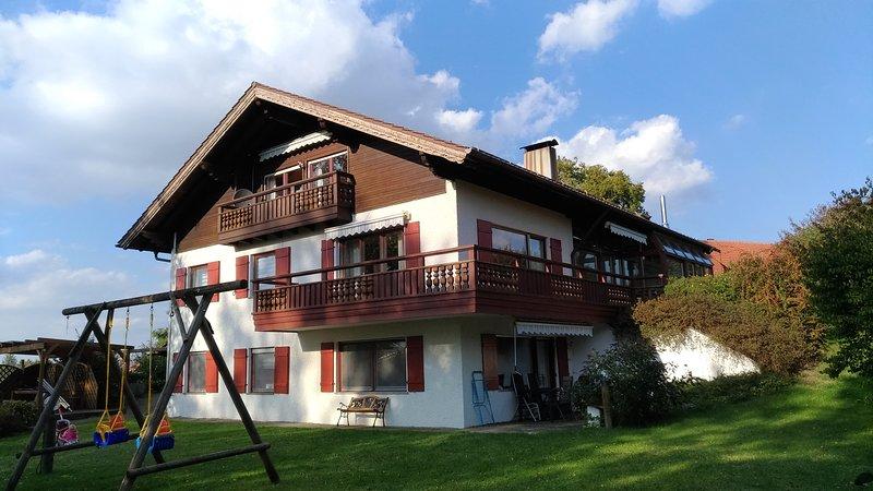 Ferienwohnung / Monteurwohnung, 4 Einzelbetten, Terrasse, Wlan, Waschmaschine, casa vacanza a Aitrach