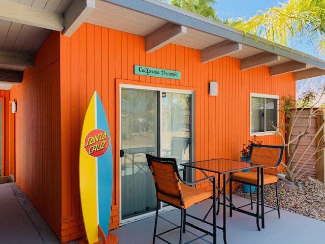 A Mid Century Modern Studio Casita Monthly Rental with Pool & Spa !, holiday rental in Palm Springs