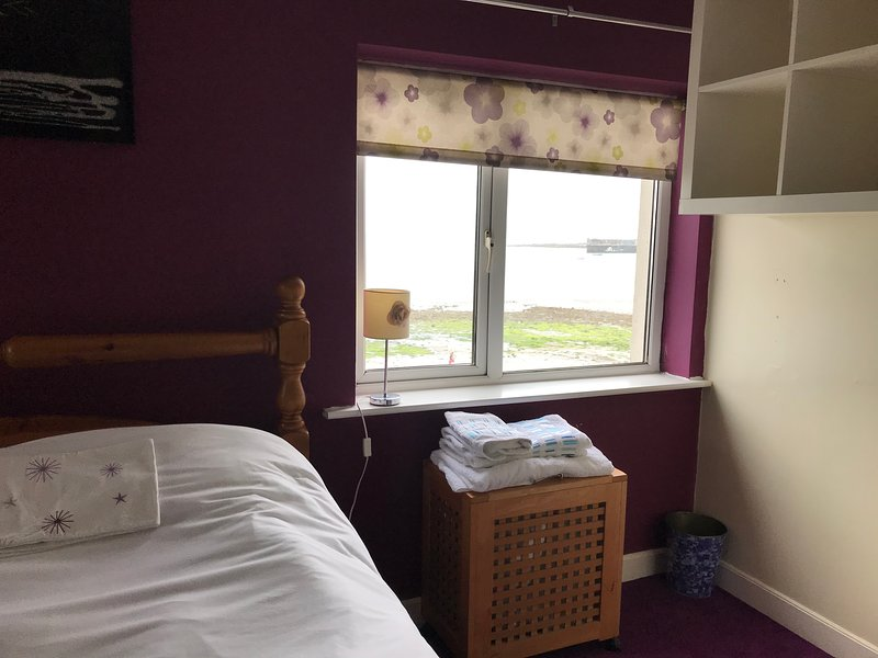 Idyllic House by the Sea, holiday rental in Skerries