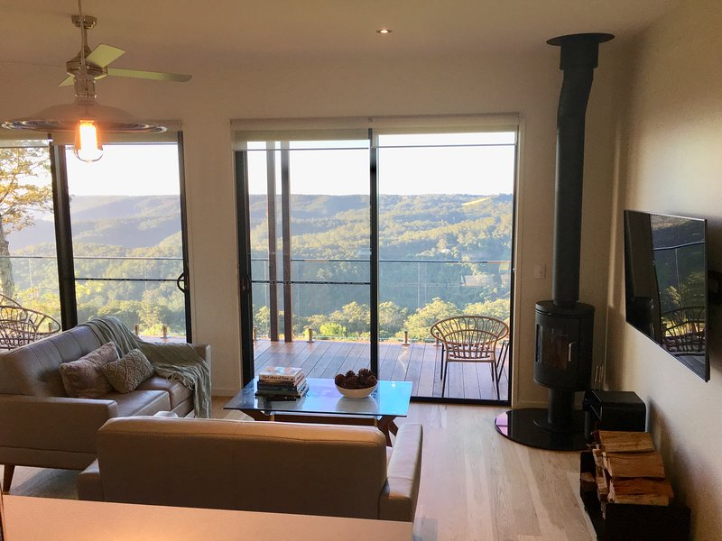 Scandinavian Cabin - Maleny - One Bedroom, holiday rental in Maleny