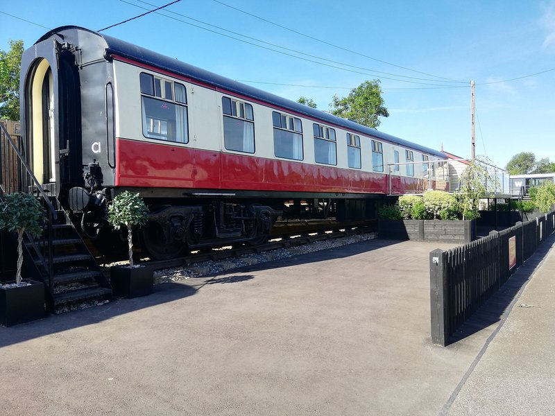 BR MK1 Carriage - train carriage - Sleeps 6 - watch steam trains - Northiam, vacation rental in Rolvenden