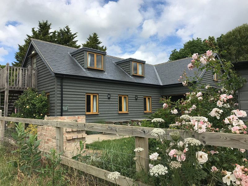 The Old Brooder Bunkhouse, holiday rental in Hadleigh