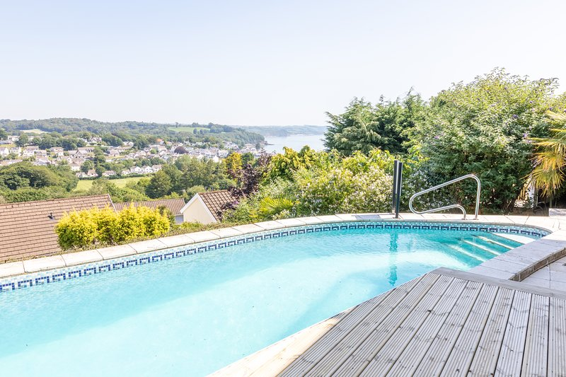Rumours & Cymyran, vacation rental in Saundersfoot