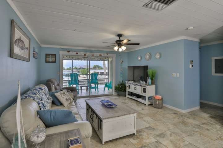3 Miles from Anna Maria Island Beaches, Waterway, Boat dock, kayak launch, Commu, vacation rental in Cortez