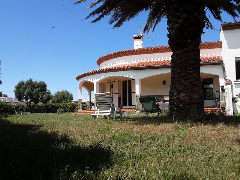 La Salamandre, holiday rental in Canohes