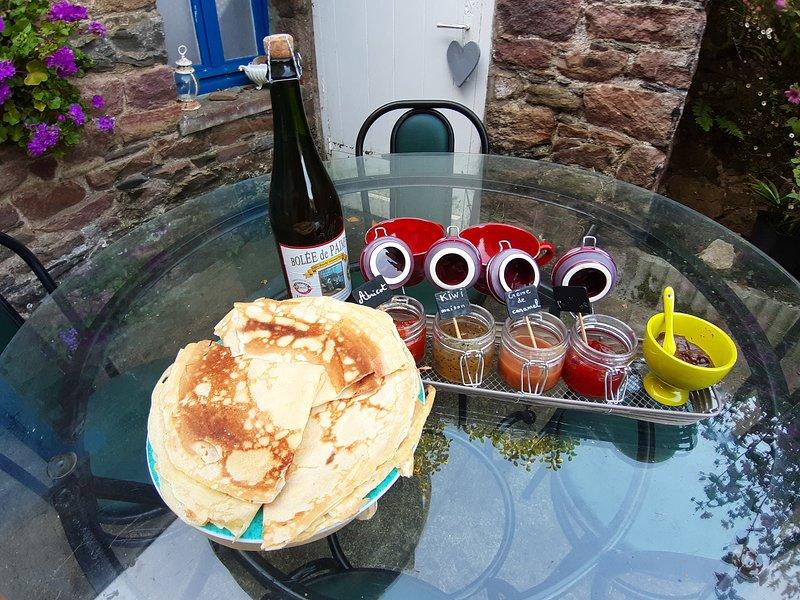Crêpe maison et cidre pampolais