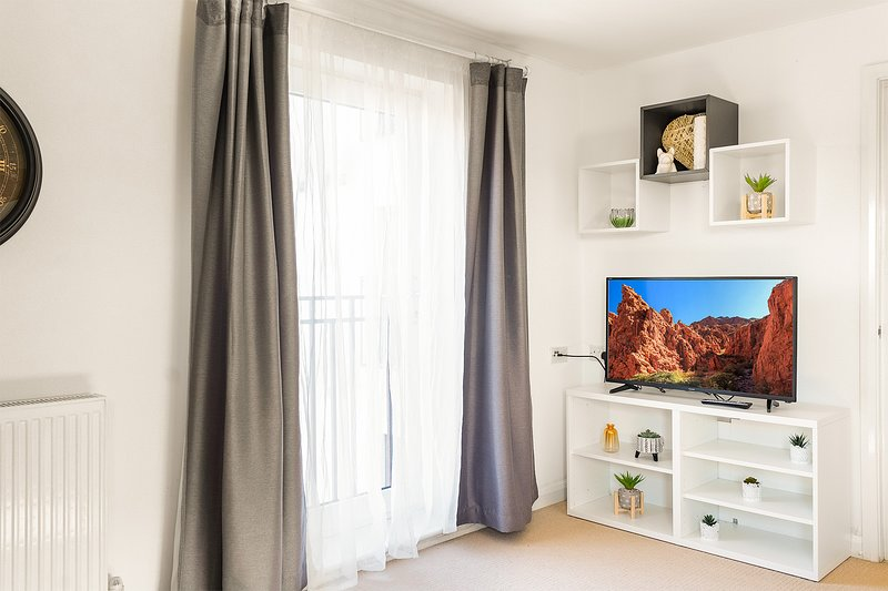 Leap Onyx Apartment - Northampton Town Centre, holiday rental in Thornby