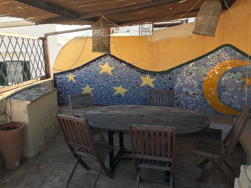 Terrazzo al piano della cucina, per le vostre cene d'estate