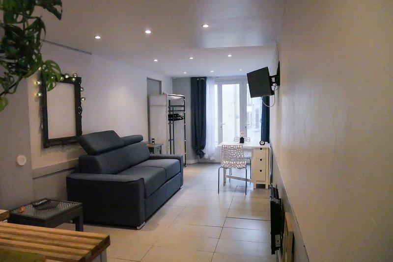 LE STUDIO, holiday rental in Signes