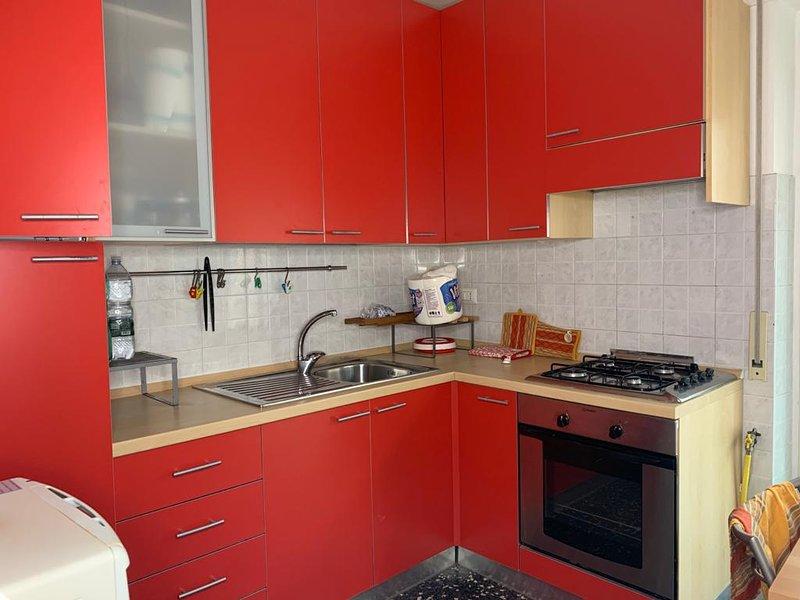 Casa di Rino - la tua vacanza a 20mt dal mare, holiday rental in Santa Severina
