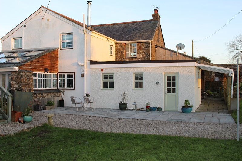 Trevothen Farm Bed and Breakfast, vacation rental in Coverack