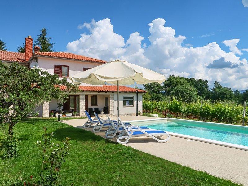 Anteo (LBN383), location de vacances à Kunj
