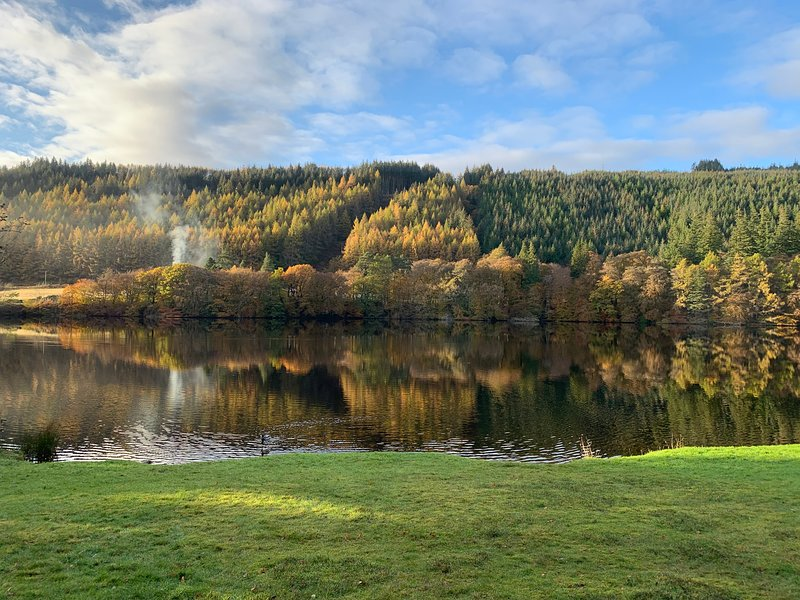 Lodge 26 Invegarry Lodges with Hot Tub, holiday rental in Invergarry