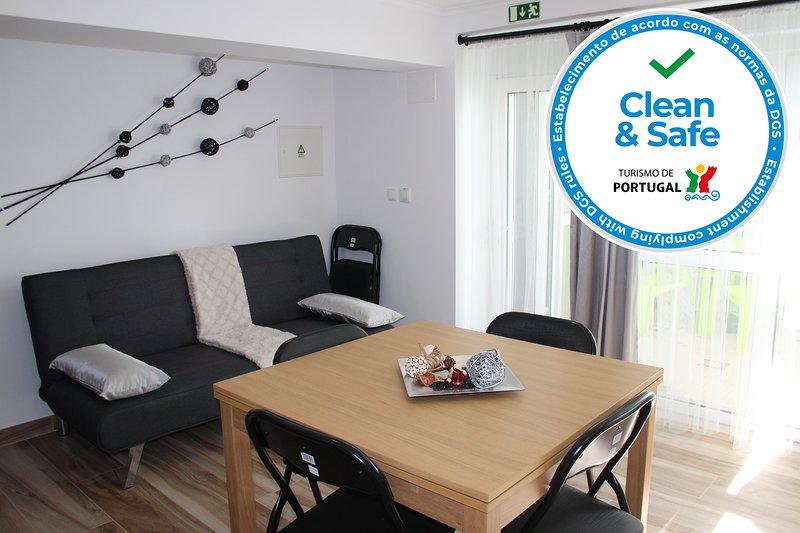Apartamento C/Pátio Partilhado 200 metros da Praia de Peniche, aluguéis de temporada em São Pedro