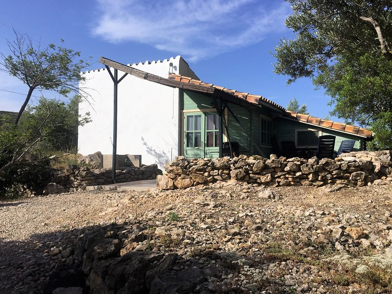 Casita Almendra - stunning views on a valley – semesterbostad i Miravet