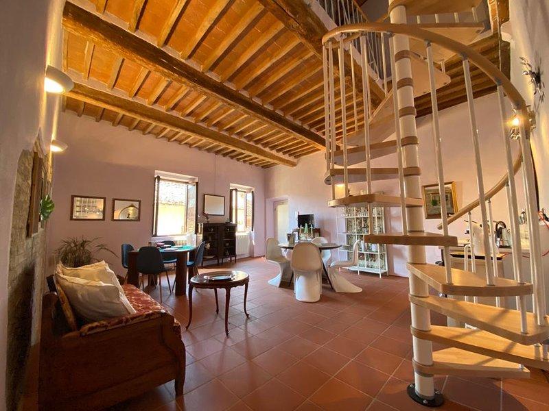 Appartamento nel Borgo, alquiler vacacional en Radicondoli