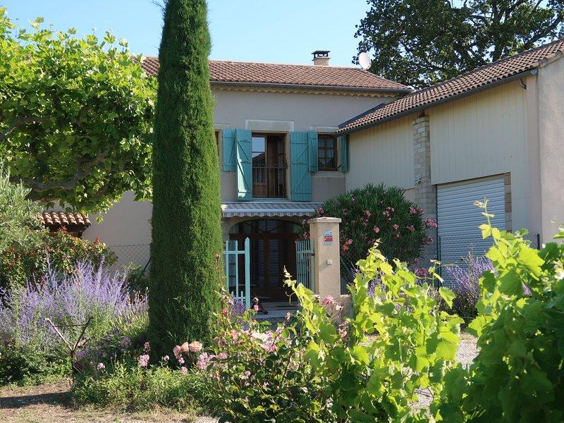 Le Mas (GRG201), casa vacanza a Reauville